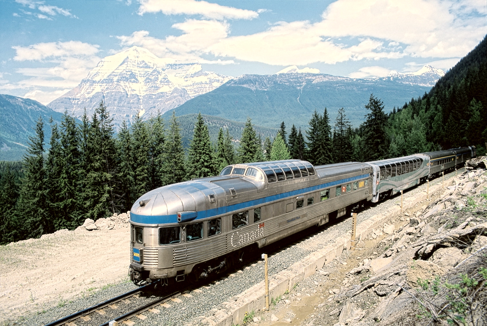 VIA Rail Canada, Grands Trains du Monde