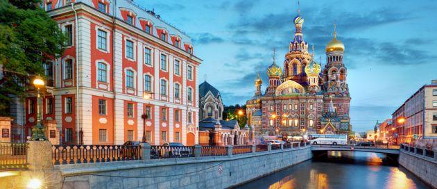 St Petersbourg, Connaisseurs du Voyage